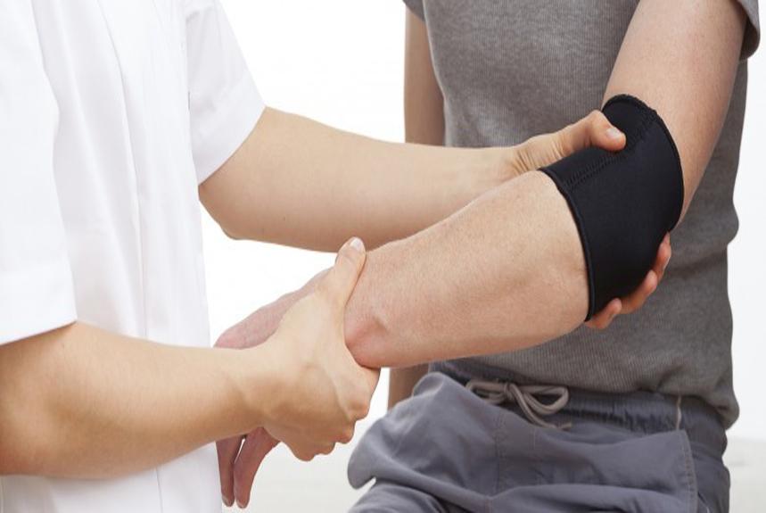 Tendinite du coude et ostéopathie.