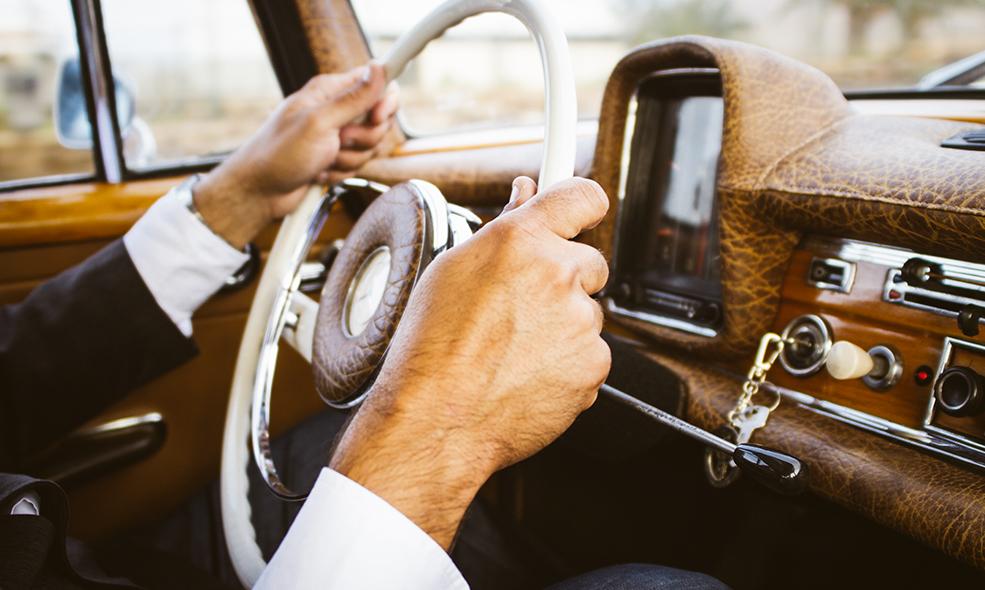 Une bonne position de conduite vous assure moins de fatigue et des douleurs évitées
