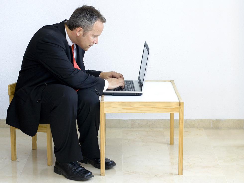 La mauvaise posture au bureau est une cause importante de TMS