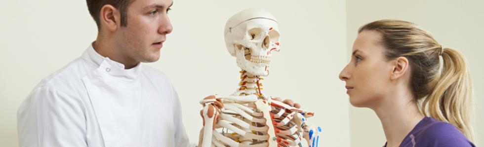 Ostéopathie et kinésithérapie sont des pratiques complémentaires