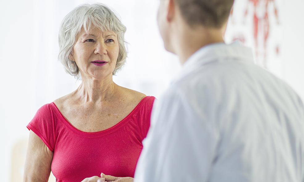 Ostéopathie et kinésithérapie sont deux thérapies manuelles qui accompagnent les patients dans les soins de leur corps