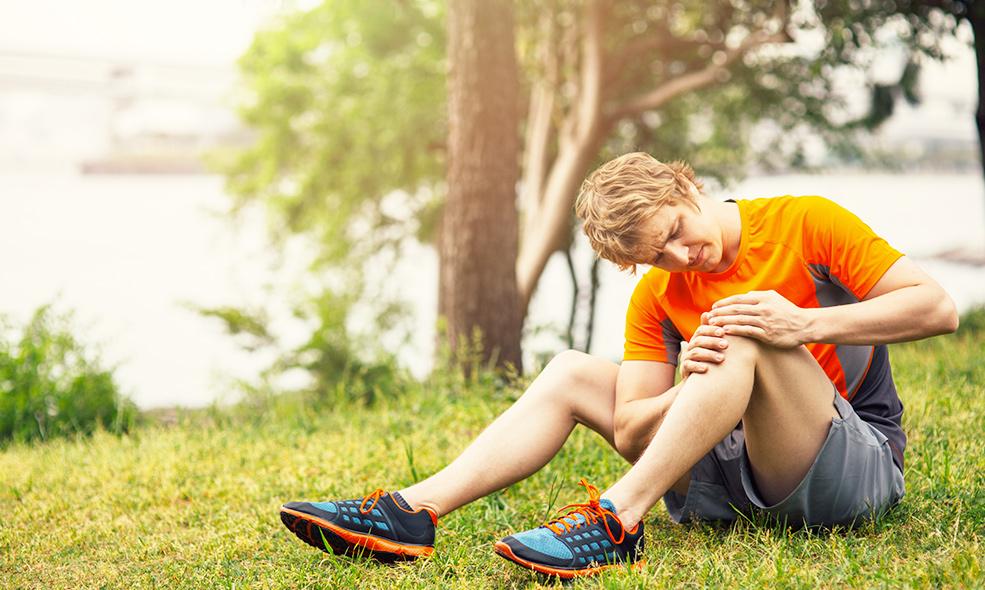 Les entorses au genou sont communes en cas de marche mal préparée