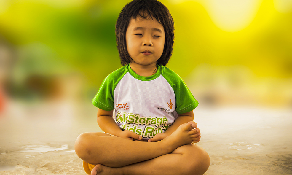 Le yoga pour enfants possède de très nombreuses vertus pour le bien-être de votre enfant
