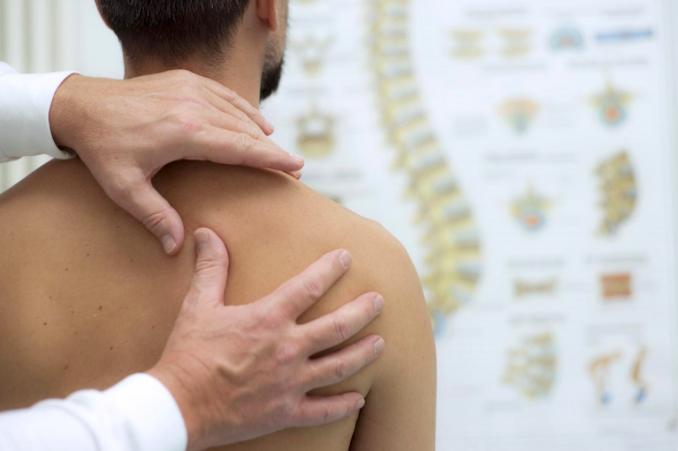 quelle différence entre osteopathe et ostéothérapeuthe